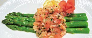 グリーンアスパラとトマトのサラダ