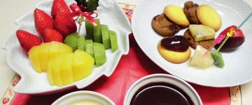 イチゴとキウイのチョコレートフォンデュ